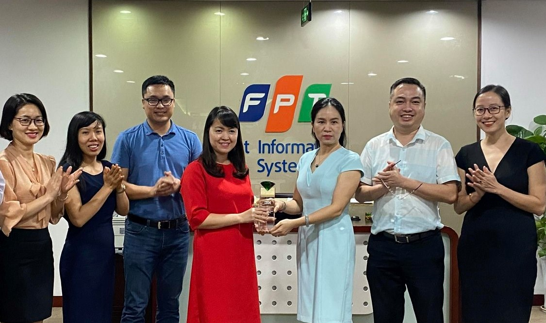 "FPT IS giành giải thưởng ""Partner of the year 2019 for IBM Data & AI"" từ IBM Việt Nam"